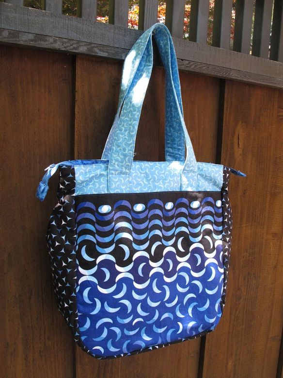 Super Tote by Noodlehead, sewn by Anna Carloni.