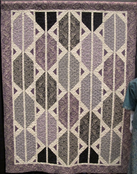 Counterpoint Quilt by Mountainpeek Creations using Downton Abbey fabric by Kathy Hall