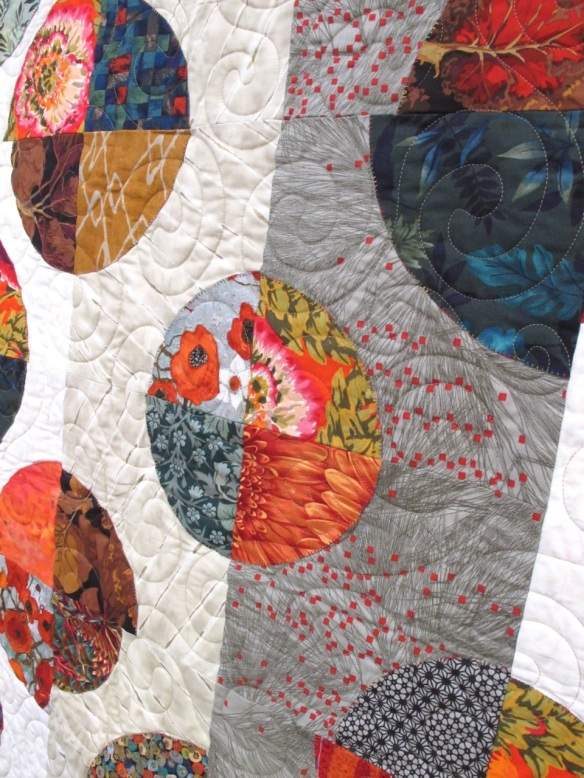 Circles by Diana McClun and Laura Nownes, quilted by Marla Monson