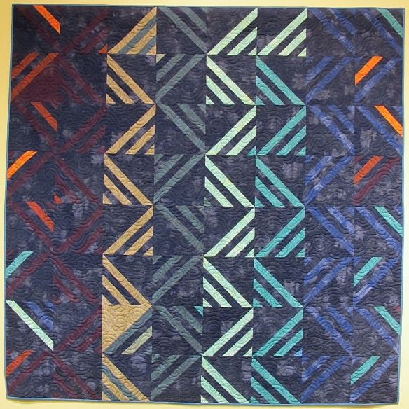 Amish Modern I by Mickey Beebe, quilted by Toni McAuliffe