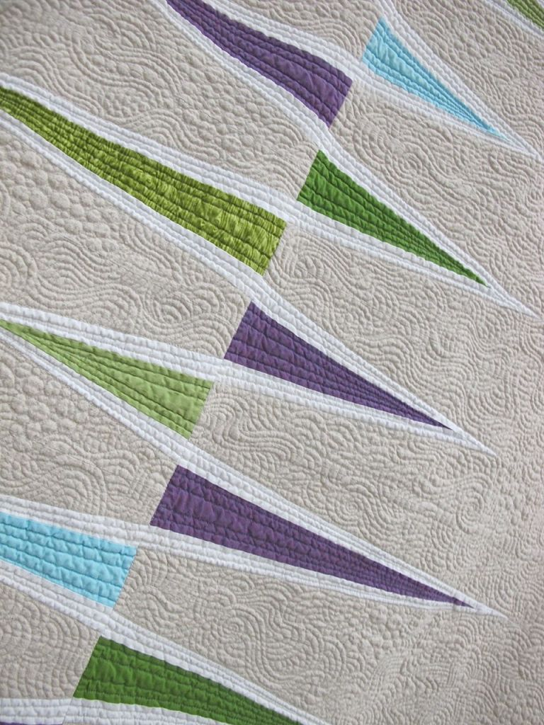 MG Opposing Triangles by Katie Pedersen. Seattle, Washington. Quilted by Krista Withers.