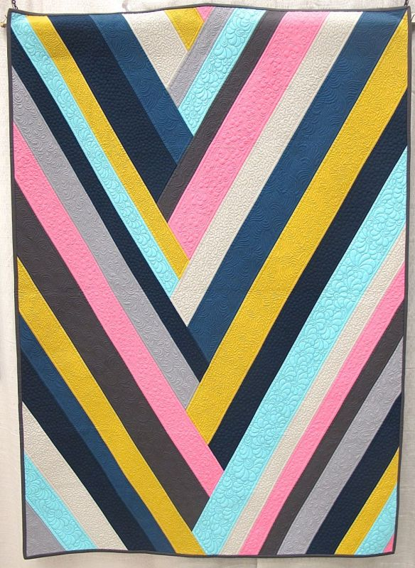 Vega by Cynthia Whitten. Ladera Ranch, California. Quilted by Helen Baczynski.