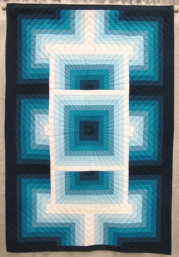 gRadient by Elizabeth Balderrama. Annapolis, Maryland. Quilted by Alison Brown of Alison's Quilting.