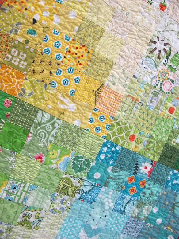Gradient Patchwork. Peabody, Massachusetts. Pieced by Robin Correa, Melissa Devenney, Donna Swain, Jana Dee, Irelle Beatie, Elizabeth Jones, Kristen Russell, Laurel Krynock, Laura Collins. Quilted by Laura Collins.