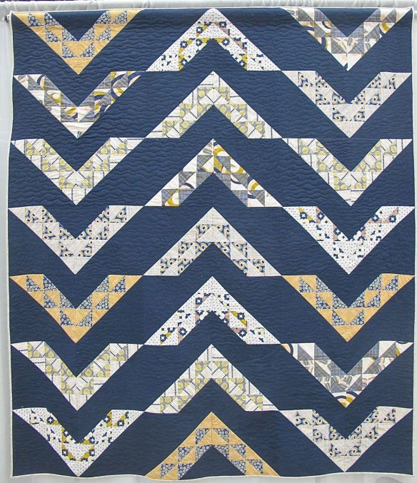 MQG 2014 Quilt of the Month:December. Arrows by Hemamalini Elumalai. Boston MQG.