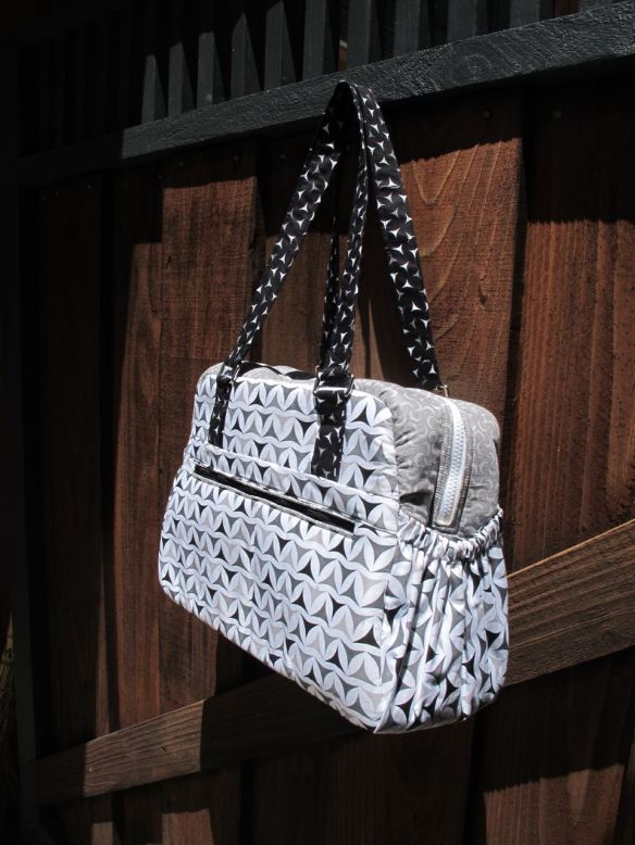 Aragon Bag, pattern by Sew Sweetness, sewn by Fat Chick Quilts