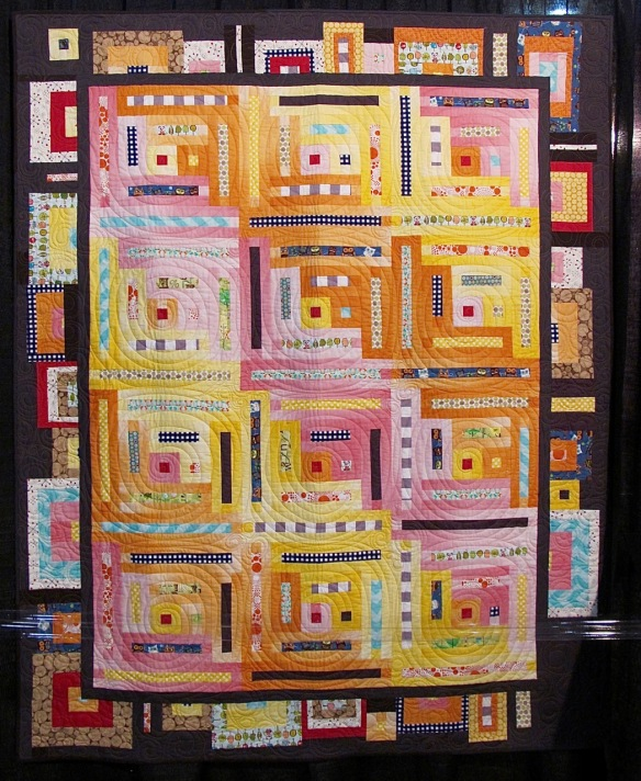 Modern Log Cabin by Kimberly Lapacek, quilted by Marcia Wachuta