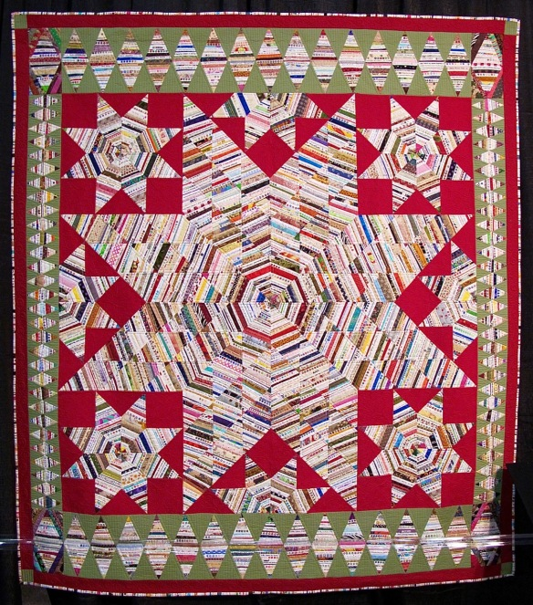 Selvage Star of Bethelem by Mayleen Vinson, quilted by Jan Hutchison