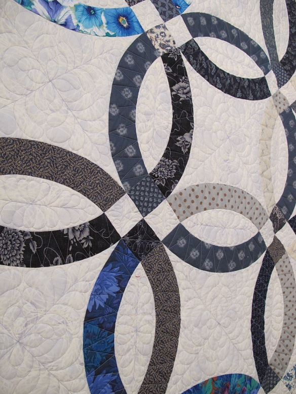 Something New in Blue by Victoria Findlay Wolfe, quilted by Shelly Pagliai