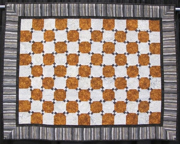 All Straight Lines by Vickie VanKoten, quilted by Pat Roche