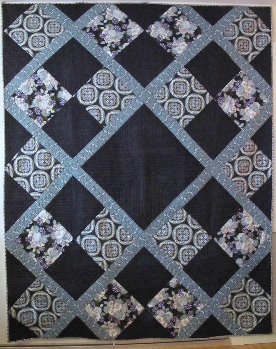 For Doris by Carol Van Zandt, quilted by Darci Alexis Read