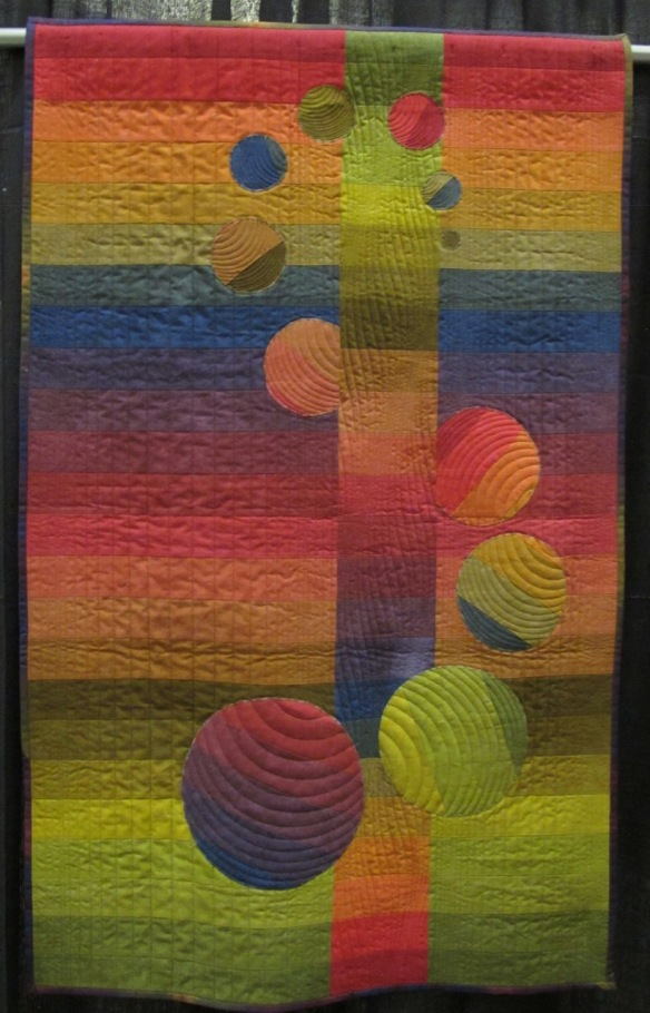 Orbit by Patti Henderson Auburn, quilted by Beth Foust
