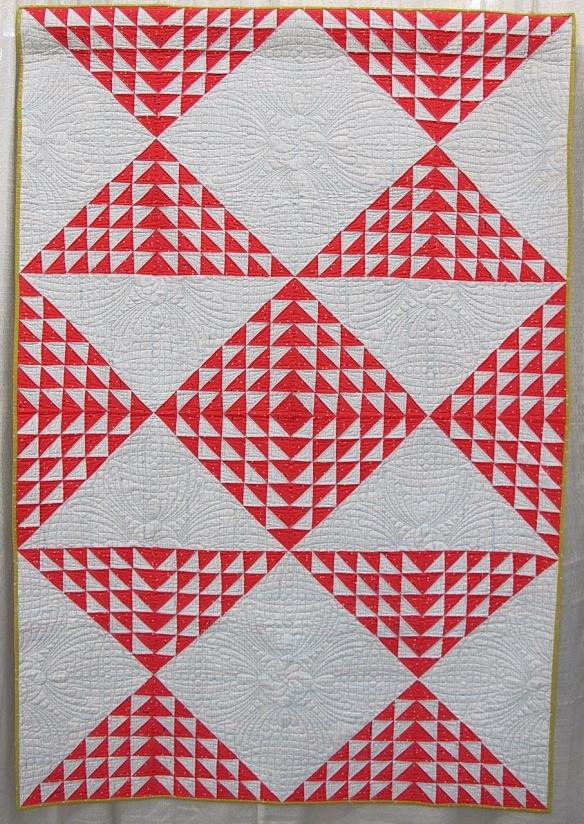 Converging Hours by Lee Chappell Monrow, quilted by Russ Adams