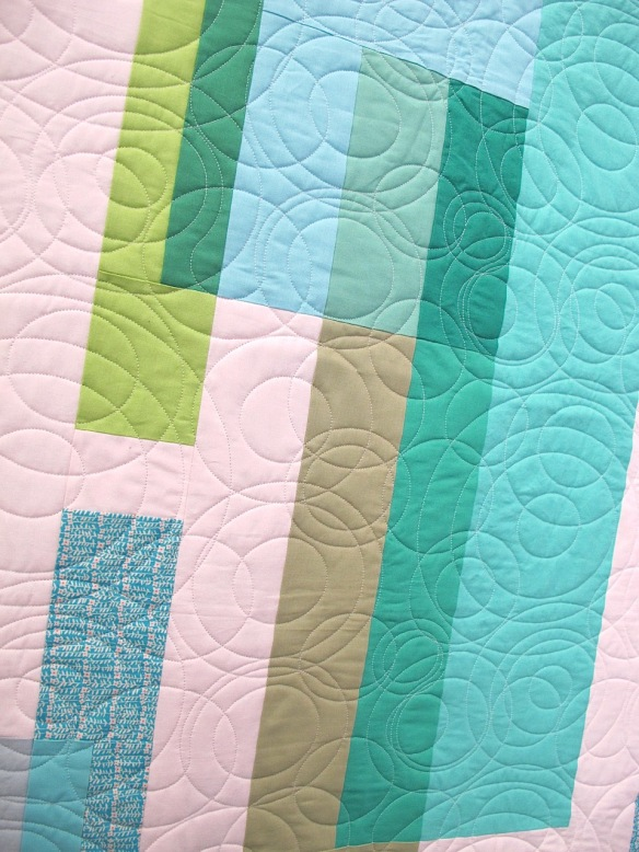 Drip by Suzy Williams, quilted by Quantum Quilts