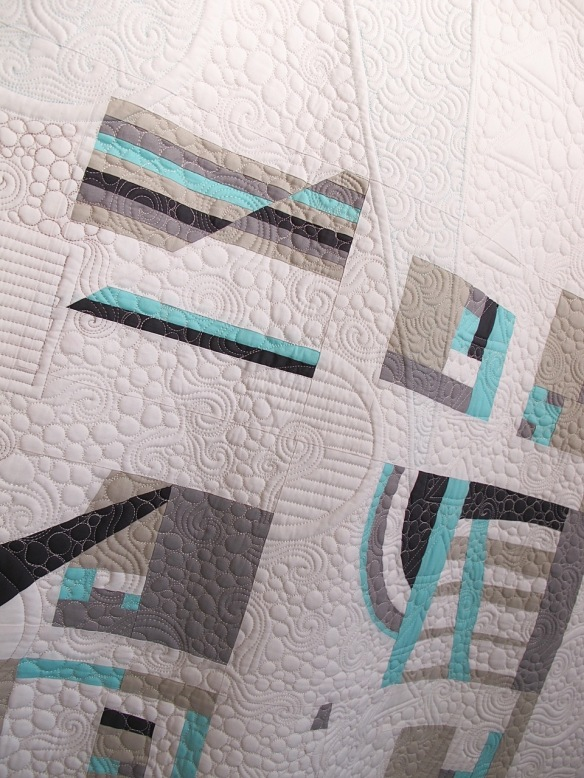 Modern Glacier by Pamela Gavin, quilted by Darla Hennessee Hall