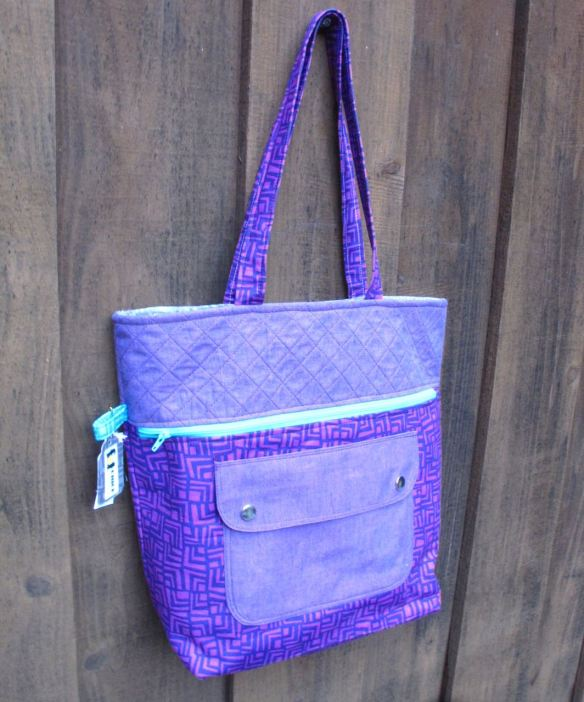Noodlehead Caravan Tote made by Fat Chick Quilts