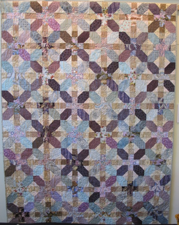 Ellie's Quilt, pieced by Mary Risard Burnett, quilted by Kathy Ritter