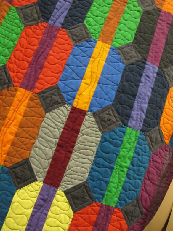 City by Karen Stern, quilted by Sue Fox